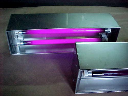Caja-UV-A-BLB